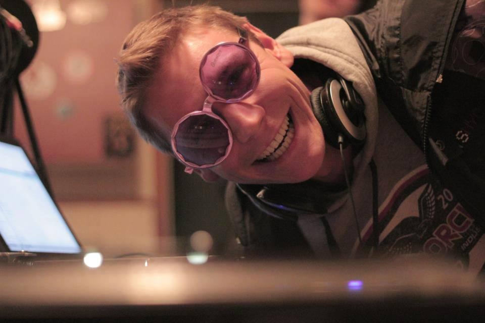 DJ Mirror